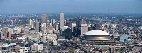 la downtown arts district booming appa real estate warehouse district and cbd new orleans