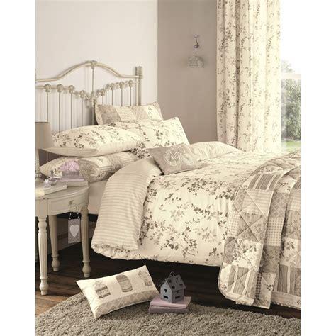vintage bedspreads and comforters dreams n drapes lila natural vintage floral duvet set