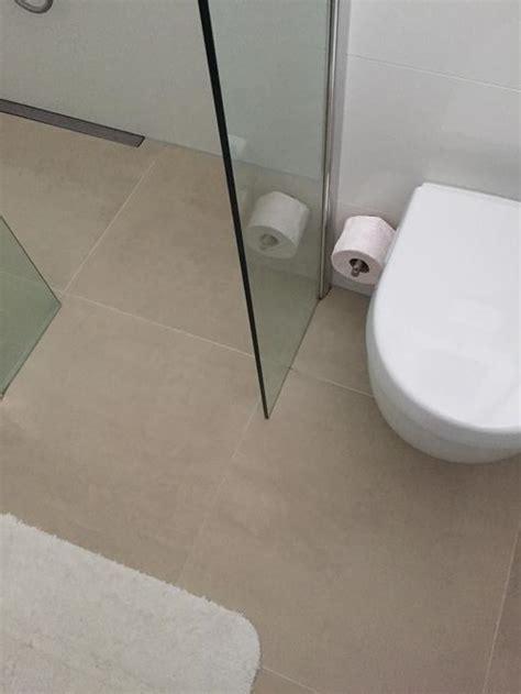wastafel kitten kitten wc ruimte gedeelte badkamer toilet pot douche