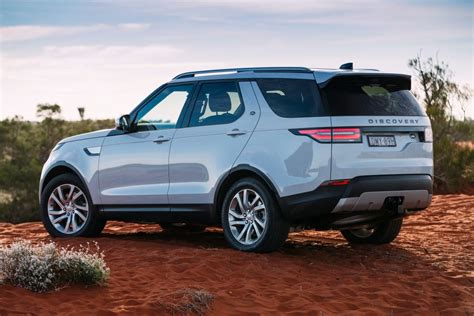 land rover discovery hse 2017 land rover discovery s 2017 review snapshot carsguide