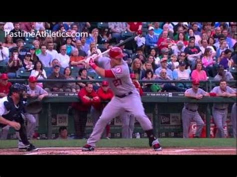mike trout swing analysis mike trout home run baseball swing slow motion hitting
