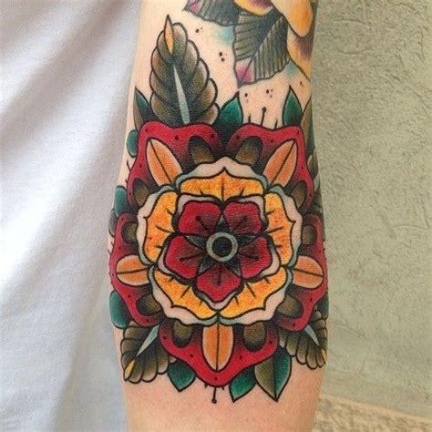 traditional tattoo flower pattern tattoos pinterest