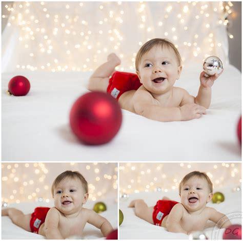 new born baby xmas photo owen blair baby photography derek gilbert photography