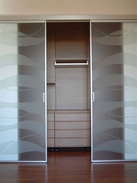 armadio con porte scorrevoli porte per la cabina armadio grandi e piccole cose di casa