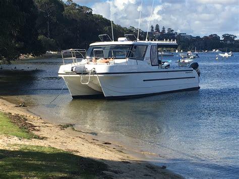 enclosed cabin boats new leisurecat kingfisher express power boats boats