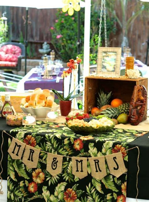 Best 25  Luau bridal shower ideas on Pinterest   Luau