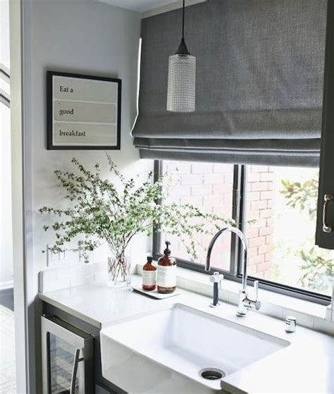Guide to Choosing Curtains For Your Kitchen