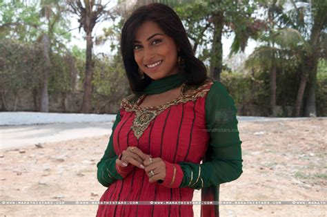 biography of film kranti kranti redkar marathi actress photos biography wallpapers