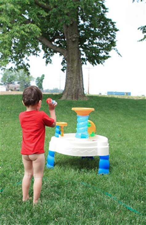 how to to potty outside boy potty outside www pixshark images galleries with a bite