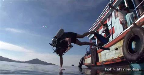 epic dive boats video epic scuba fails how not to enter the water