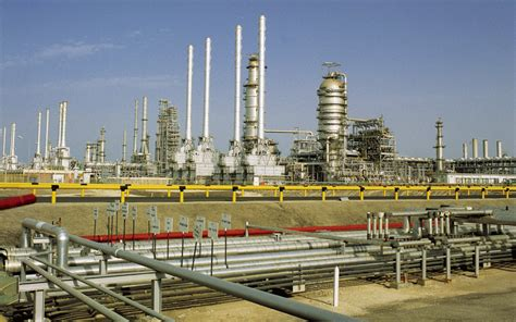 emirates gas oil trading firms setting up shop in dubai emirates 24 7
