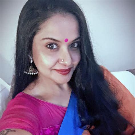 actress pragathi actress pragathi photos rare pics lovely telugu