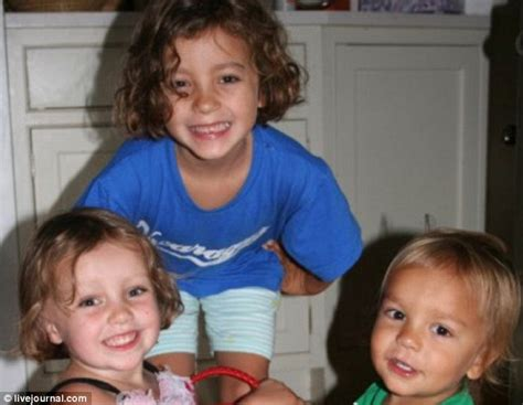 baby dies in bathtub brave six year old girl tried to fight off killer nanny