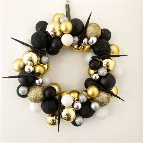 gorgeous christmas bauble wreath scented candles luxury