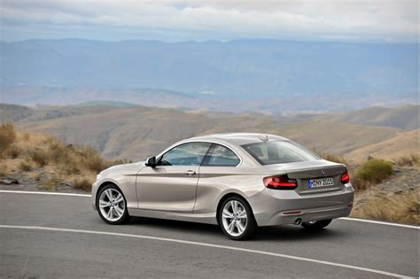 2014 bmw 2 series debuts in detroit live photos