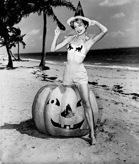 classic hollywood witches 92 best pin up halloween images on pinterest vintage