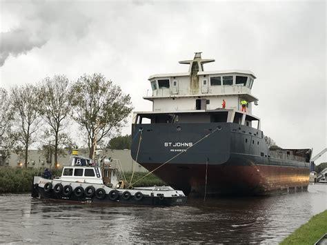 sleepboot waterpoort waterpoort en gruno ii met sleep westerbroek tugspotters