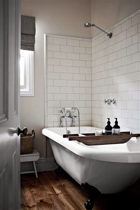 Simple Bathtub by 38 Plain White Bathroom Tiles Ideas And Pictures