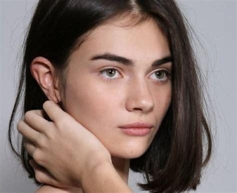 simple chin length hair medium hair styles ideas 23381