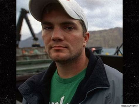deadliest catch captain is murdered japanese hunters kill 122 pregnant minke whales for
