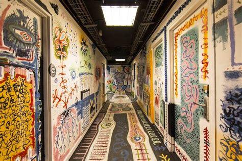 graffiti artists   university building  paris