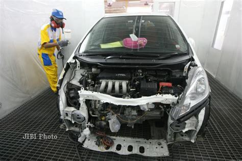 Pembersih Throttle bengkel repair mobil honda