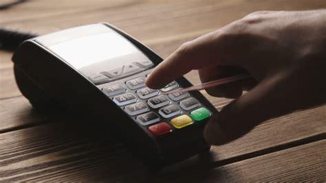 Biaya Tambahan business hits merchant pungut biaya tambahan 3 nasabah