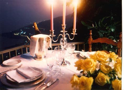 cena lume di candela a cena con diego parassole e la fima