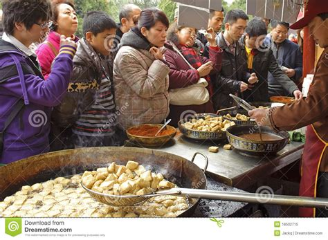 buy food crowded to buy food editorial image image of festival 18502715
