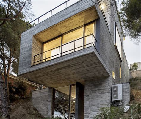 steep hillside house plans steep slope house design goes vertical just like trees