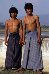 don t want to wear a kilt how about a longyi good