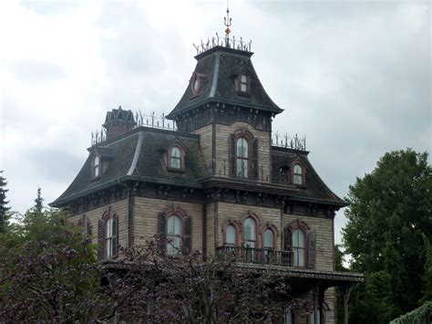 haunted house in maryland fall festivals and halloween haunts in maryland the esplanade luxury flows to you