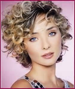 coupe courte cheveux frises beaut 233 coup 233