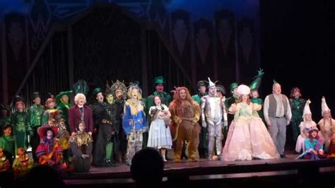 wizard of oz curtain 3d theatricals wizard of oz closing night curtain call