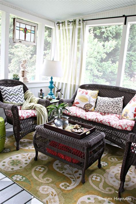 screened in porch decor 1000 ideas about screened porch decorating on pinterest