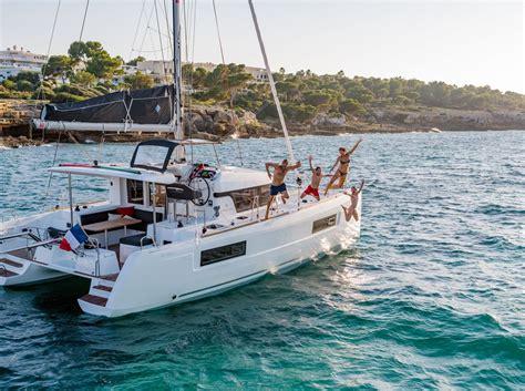 catamaran or sailing boat catamaran sailing yacht www pixshark images