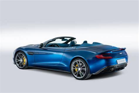 Aston Martin Vanquish Volante convertible unveiled