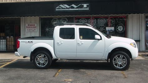 white nissan frontier nissan frontier gallery awt off road