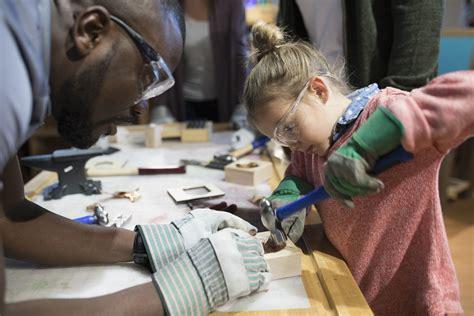 home depot kids workshop  kids building classes