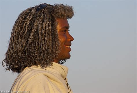 what do ethiopians use in their hair 14 photos of ethiopian tribespeople who use butter to