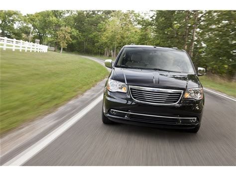 2013 Chrysler Town And Country Price by 2013 Chrysler Town Country Prices Reviews And Pictures
