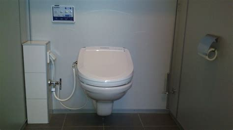 Toilet And Douche by Een Douche Wc Zonder Hakken Of Herrie