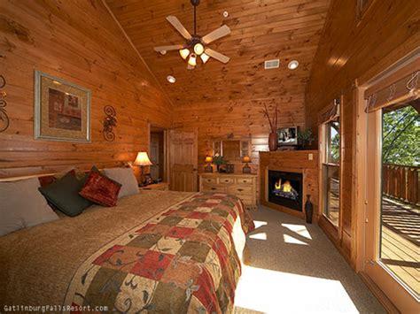 7 bedroom cabins in gatlinburg gatlinburg cabin waterfall lodge 7 bedroom sleeps 30
