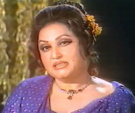 madam query biography in hindi pdf noor jehan biography childhood life achievements timeline