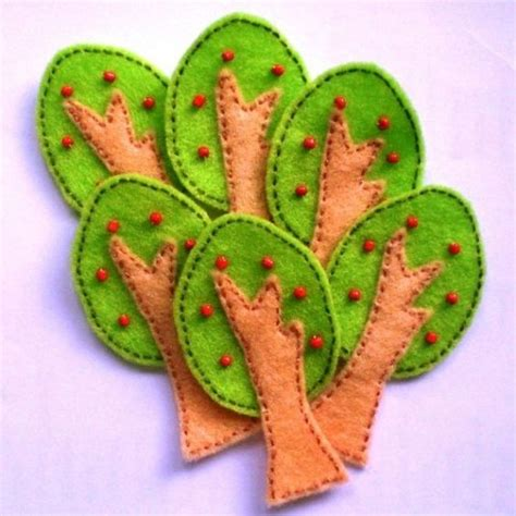 trees felt applique and the o jays on apples banners and felt tree on