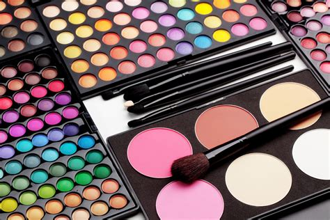 Makeup Palette Makeover 5 Eyeshadow Palettes That Makeup Beginners Need