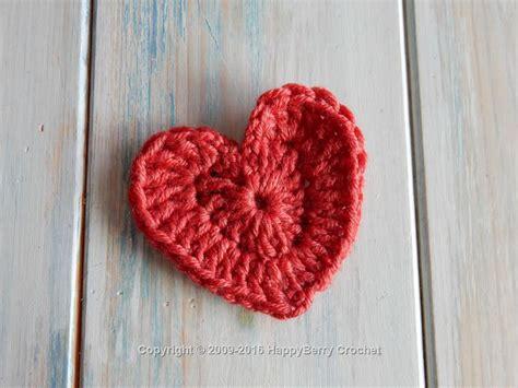 easy crochet heart pattern uk simple chunky heart happyberry