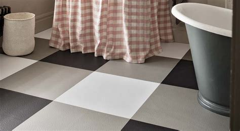 checkerboard bathroom floor black white checkered vinyl flooring harvey maria