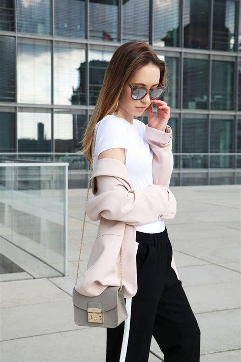 Zara Metropolis rosa blazer zara chinohose furla metropolis tasche