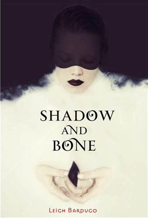 libro shadow and bone trilogy mejores 65 im 225 genes de shadow and bone en huesos fandoms de libros y libros ya